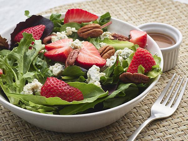 Strawberry Mesculin Salad