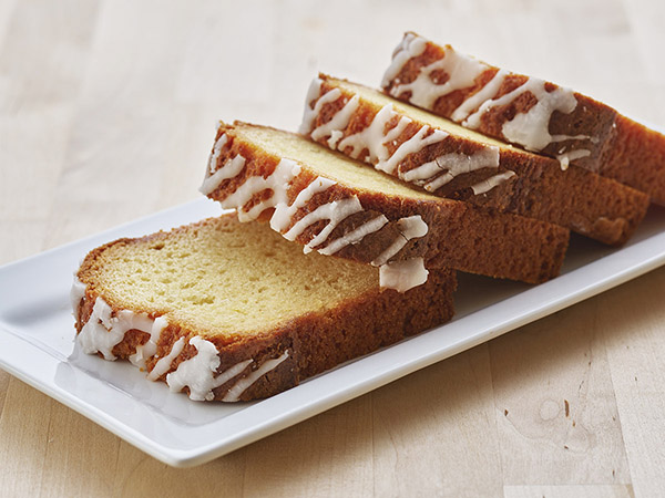 Lemon Iced Yogurt Pound Cake
