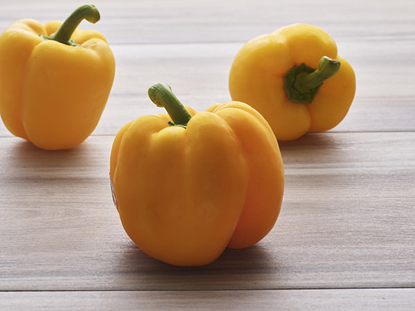 Yellow Holland Peppars