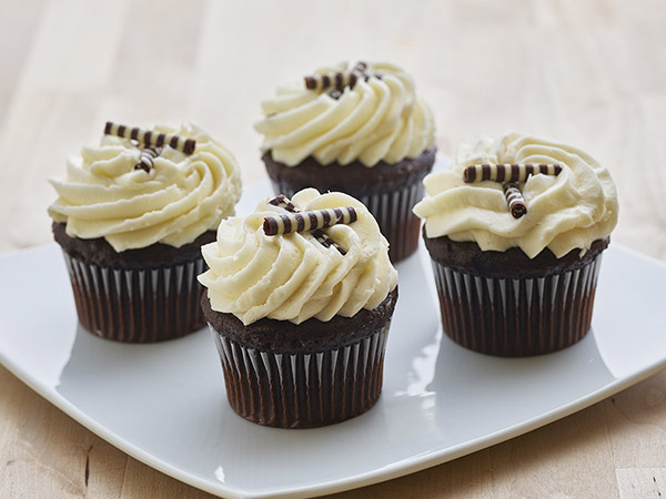 Sweet Sam's Black & White Cupcake 4Pk